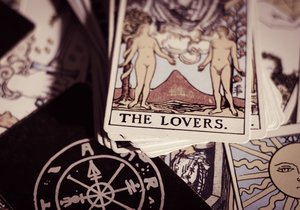 Tarotový horoskop: Co vás čeká do konce roku?