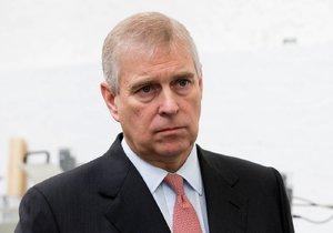 Princ Andrew čelí obvinění, že měl sex s nezletilou sexuální otrokyní