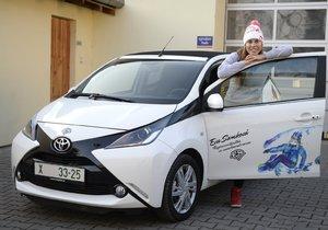 Vydražte auto a snowboard olympijské hvězdy Evy Samkové!