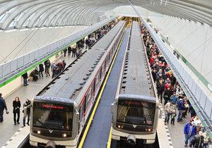Metro A se dočkalo v roce 2015 prodloužení do stanice Nemocnice Motol.