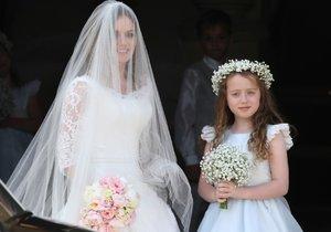 Geri vedla k oltáři její dcera Bluebell.