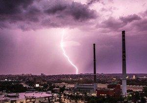 V pátek čekejte silné bouřky
