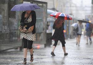 """Na Česko padá """"krvavý"""" déšť"""