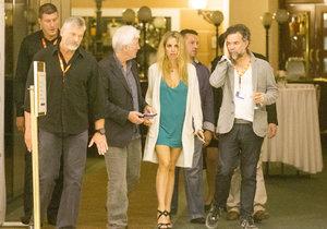 Richard Gere se svou přítelkyní Alejandrou Silvou.