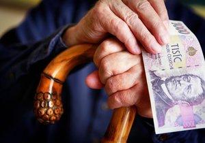 Důchody i minimální mzda budou v roce 2017 vyšší.