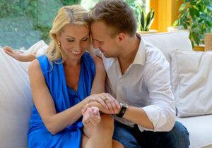 Martin Chodúr s partnerkou Ivonou Selníkovou se dočkali prvního potomka.