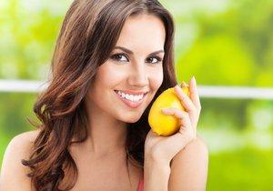 Věděli jste, že citrony nemusíte využívat jen v kuchyni? Dokáží totiž například porazit zápach, zesvětlit skvrny na vašem oblečení a vyčistit domov odshora dolů!