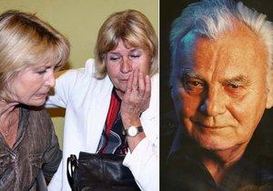 Radka Haničincová hledala útěchu v náručí kamarádky Elišky Balzerové.