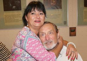 Ladislav Frej s přítelkyní Gabrielou jenom kvetou!