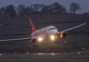 Letadlo EasyJet na lince z Lublaně do Londýna muselo mimořádně přistát v Kolíně nad Rýnem.