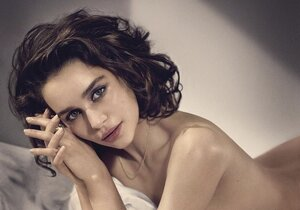 Emilia Clarke byla zvolena nejvíce sexy ženou planety!