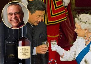 Opulentní státní večeři uspořádala britská královna Alžběta II. pro čínského prezidenta Si Ťin-pchinga. Na slavnostní menu proniklo i víno z jihoafrických vinic českého miliardáře Zdeňka Bakaly.