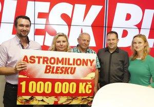 Pan Martin Šubrt (druhý zprava) si výru rozdělil s Kateřinou Krausovou, Klárou Skružnou a jejím tatínkem Karlem,