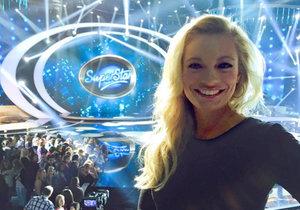 Lucie Borhyová v neděli večer vyrazila na SuperStar.