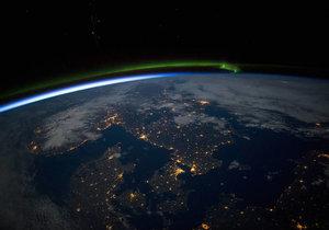 Snímky z Mezinárodní vesmírné stanice: Skandinávie v noci
