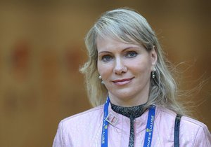 Margarita Louisová-Dreyfusová čeká dvojčátka.