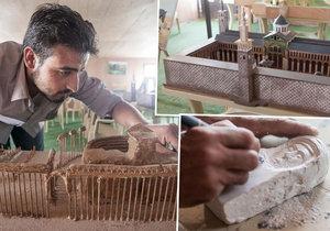 Skupina syrských umělců postavila historické památky zničené ISIS.