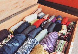Skladujte oblečení podle vzoru Marie Kondo.