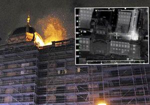 Požár v noci zachvátil Národní muzeum.
