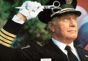 Představitel velitele Erika Lassarda zemřel ve věku 98 let.