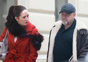Tereza Kostková prozradila, že neznámý muž, s nímž se na schůzce bavila, je muzikant Jan Hasenöhrl.
