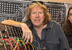 Britský rocker byl nalezen v Kalifornii s prostřelenou hlavou.