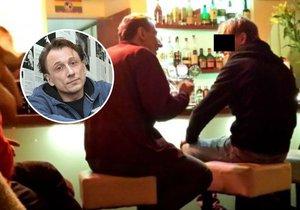 Hvězdu seriálu Případy 1. oddělení přistihli v gay baru!