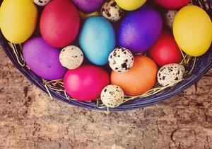 Jak docílit rovnoměrné a syté barvy na vajíčkách?
