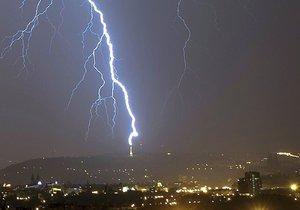 Na Moravě a východní polovině Čech hrozí dnes odpoledne a večer silné bouřky (ilustrační foto)