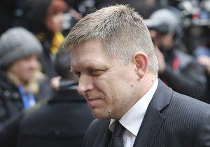 Slovenská vláda je kompletní. Tvoří ji koalice čtyř stran, Robert Fico (Směr-SD) uhájil šest ministerských míst.