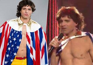 Janek Ledecký se coby Mick Jagger svlékl do půl těla.