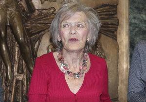 Luba Skořepová (92), která je už přes rok po operaci střev v léčebně dlouhodobě nemocných, ztrácí pojem o čase.