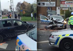 Při autonehodě bouraly čtyři vozy. Jeden z nich byl policejní.