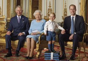 Princ Charles, královna Alžběta, pring George a princ William.