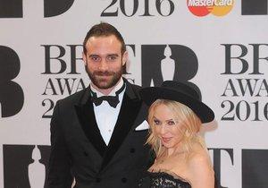 Kylie Minogue se snoubencem Joshuou Sasse
