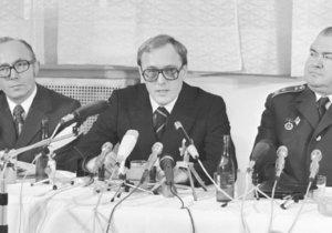 Chvíle životní slávy: Pavel Minařík je představen jako hrdinný rozvědčík ze Svobodné Evropy. Sedm let tu fízloval kolegy a pak je chtěl vyhodit do vzduchu...