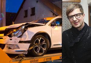 Petr Kotvald měl autonehodu.