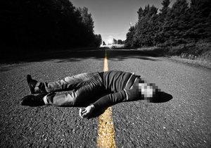 Záhadný nález mrtvoly uprostřed noci: Policie na Kolínsku zjišťuje příčinu smrti