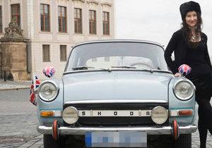 Velvyslankyně Jan Thompson a její auto