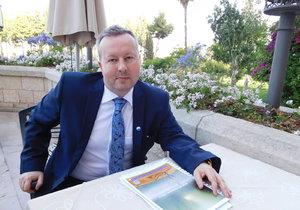 Ministr životního prostředí Richard Brabec v Jeruzalémě při rozhovoru pro Blesk.cz