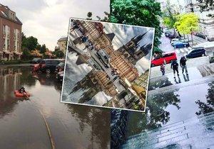 V pondělí déšť zasáhl Prahu, po dešti v ulicích zůstaly kaluže.