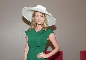 Kate Upton v pouzdrových šatech