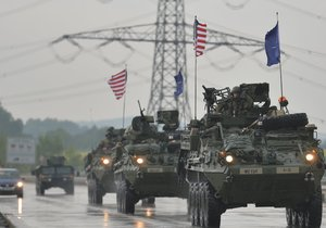 Průjezd amerického konvoje Českem