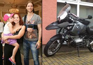 Přítel Michaely Noskové Ondřej Bábor se vyboural na motorce.
