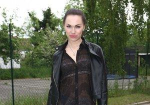 Kamila Nývltová: Nezvládnutá etuda vrstvení