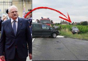 Limuzína slovenského exprezidenta Gašparoviče skončila mimo vozovku.