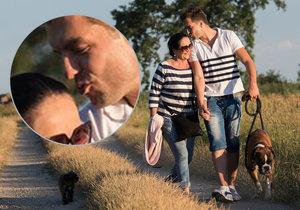Hana Gregorová s Ondřejem Koptíkem dávají své lásce průchod na romantické dovolené v zemi vína a vynikajících klobásek.