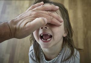 Žena z Ostravy tvrdí, že se jí někdo pokusil unést čtyřletou dceru. Iustrační foto