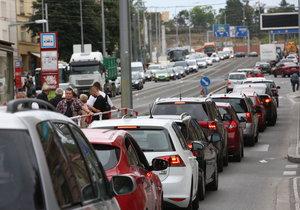 Praha 6 vyhlásila stav dopravní nouze.