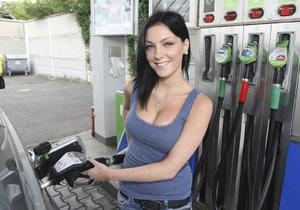 Benzin i nafta v Česku zlevnily. Tankovat tak můžete radostněji.